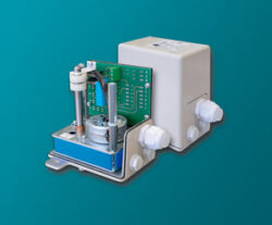 servopohon série NK 0103 .-Servopohon otáčkový typ NK 0103, ( 3 Nm ), čas přestavení  1 (0,8) s. / 90°, regulační úhel  do 300°, váha 2,5 kg. ovládací napětí : standard 230V,50 (60)Hz, max.31 VA, IP 65. Synchronní motor na střídavý proud, s ochrannou proti zkratu, jednopólový, reverzní 230V ± 10%, 50/60 Hz ± 5%,  100% nepřetržitý chod . Startovací a zastavovací doby v řádu milisekund.